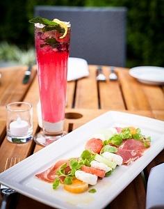 Sotto Sopra - Formaggio di Capra e Melon salad & Blueberry Mojito outside 3 high res
