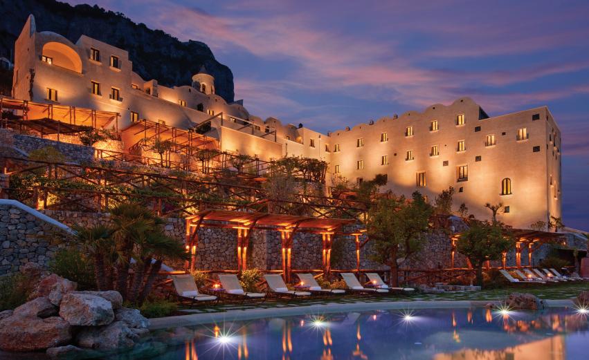 Infnity pool at the Monastero Santa Rosa Hotel & Spa