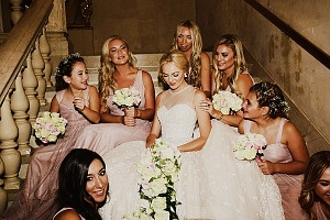 Ashley Taylor Cooper and bridesmaids ©Oscar Castro